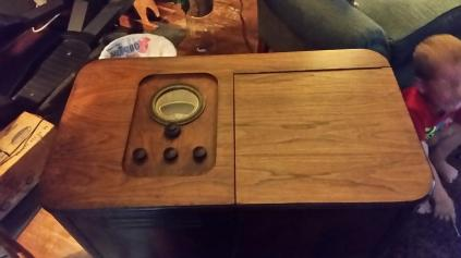 radio bar top